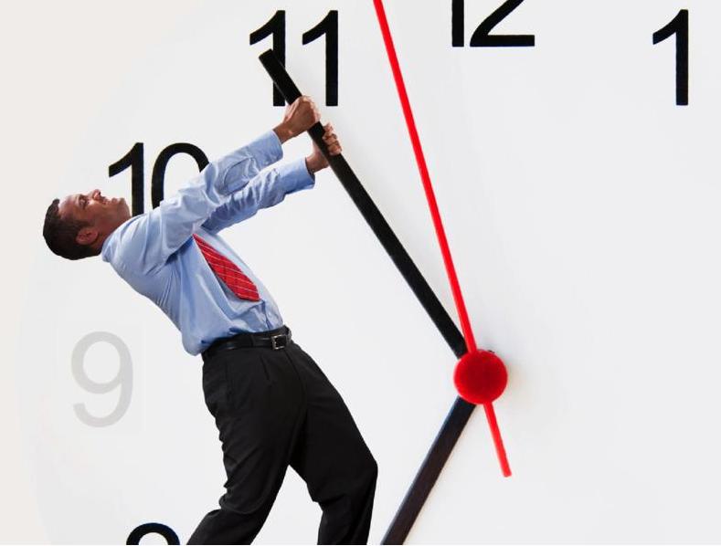 Un collaboratore puntualmente in ritardo – QUESITO