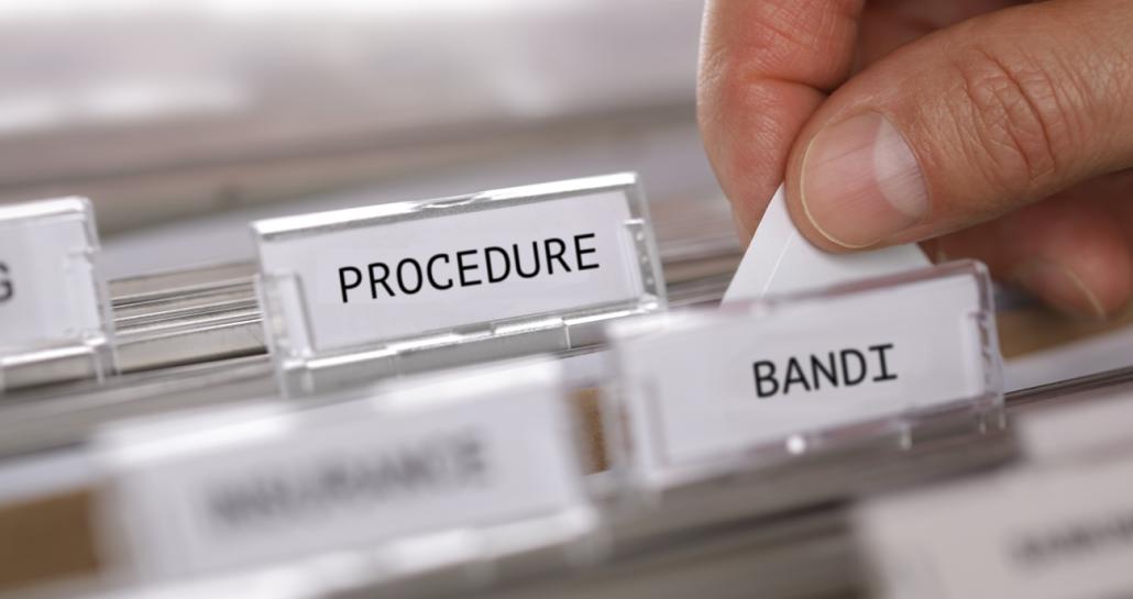 Il titolare di farmacia non può partecipare a una società di gestione di farmacia comunale