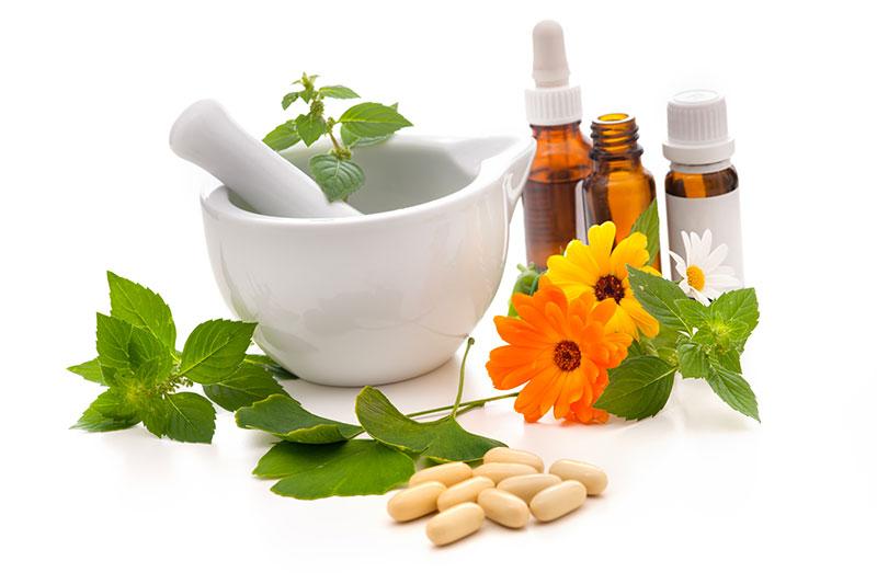 Società titolare di più farmacie: galenici preparati in una e distribuiti anche nelle altre – QUESITO