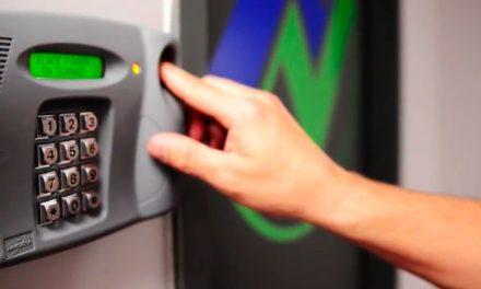 La privacy e le impronte digitali del dipendente della farmacia