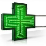 """L'accensione della """"croce verde"""" durante l'orario di chiusura della farmacia"""