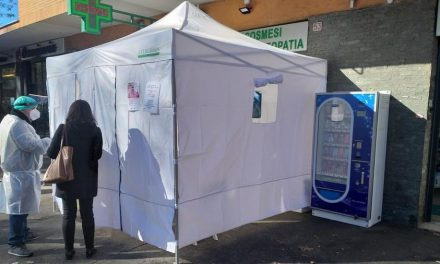 UN GAZEBO PER TEST/TAMPONI IN PUGLIA